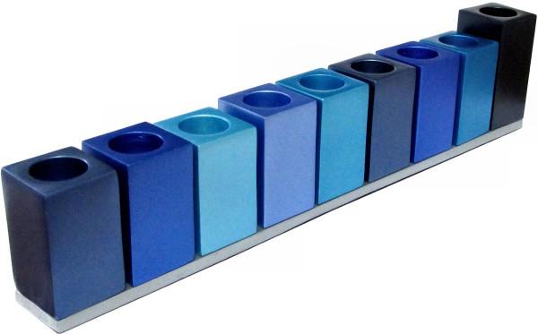 Chanukkia *Quader* blau eloxiertes Metall 29,5cm